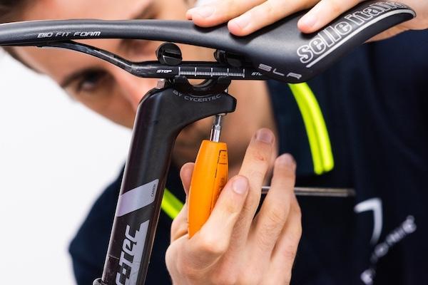 bicicletta regolazione assetto